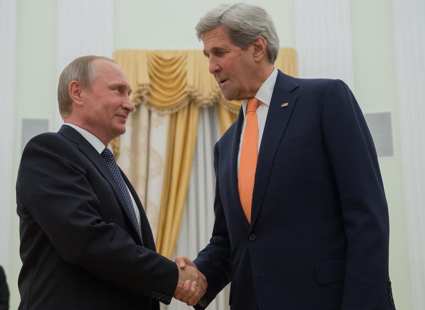 لقاء الرئيس الروسي فلاديمير بوتين مع جون كيري في 2016 (صورة من الأرشيف)