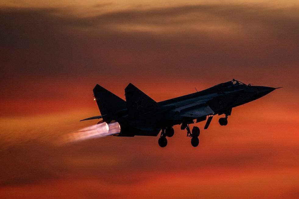 4 مقاتلات روسية تبعد 3 قاذفات أمريكية عن حدود روسيا