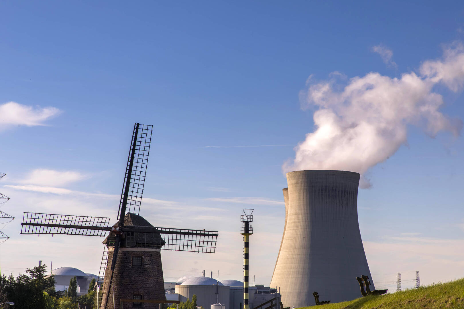 بلجيكا توقف تشغيل مفاعل نووي بسبب تسرب محتمل للهيدروجين