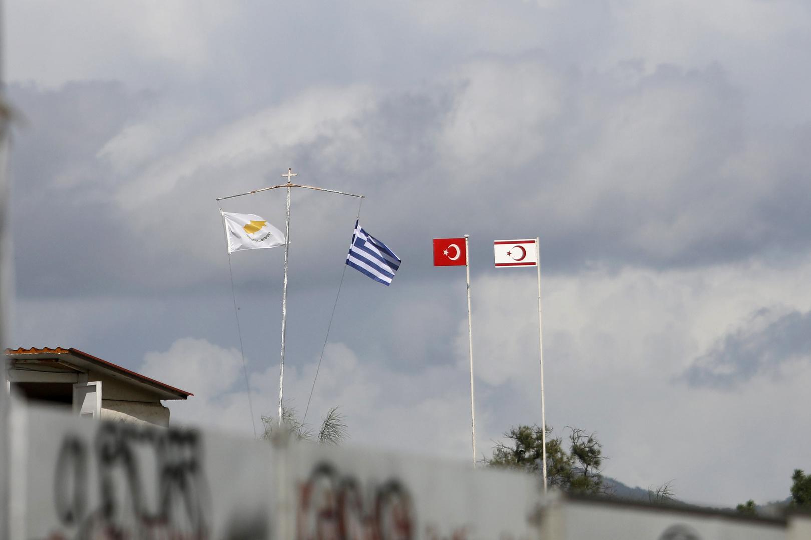 قبرص تتهم تركيا بإطلاق النار على زورق دورية تابع لها
