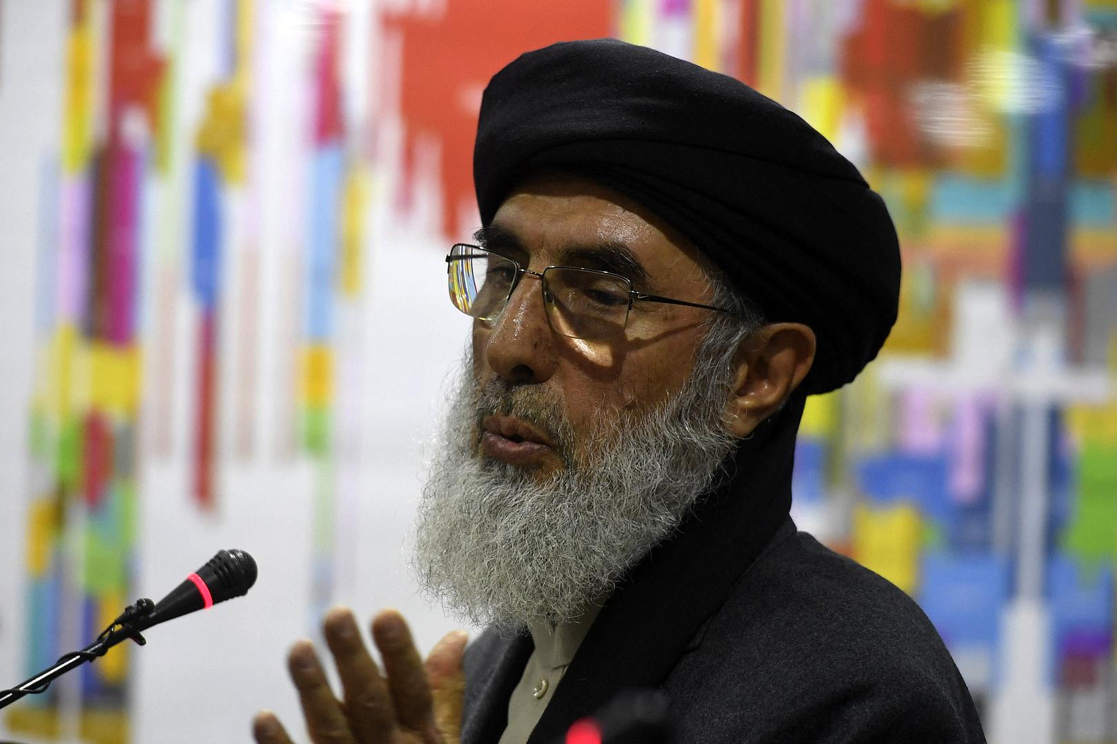 قلب الدينحكمتيار يجد تفسيرا لتسليم سلطات أفغانستان بعض المناطق بدون قتال