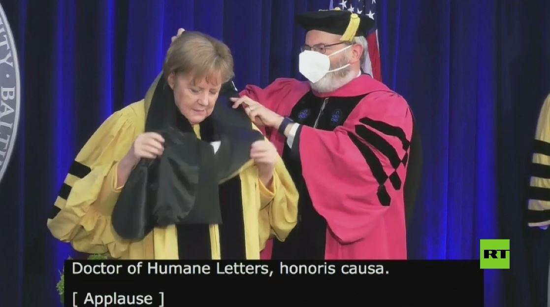 الدكتوراه الفخرية من جامعة جون هوبكنز تسبب الإحراج لأنغيلا ميركل