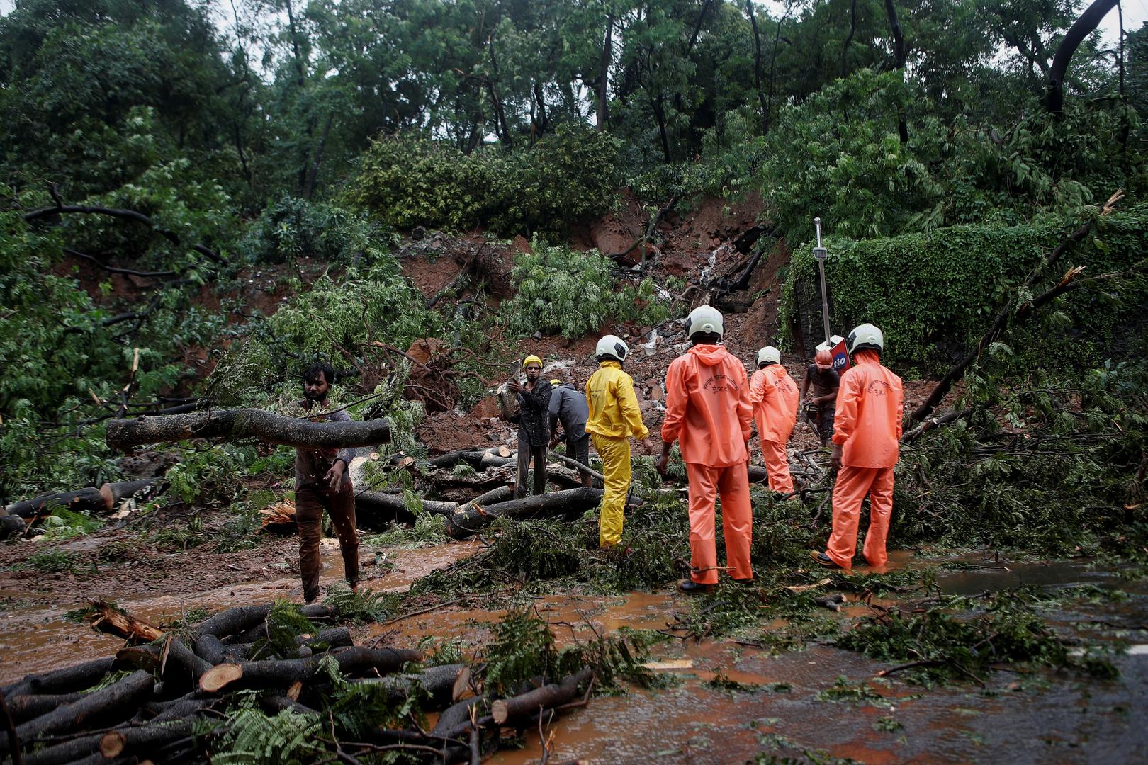 مصرع 25 شخصا على الأقل بانهيارات أرضية في مومباي