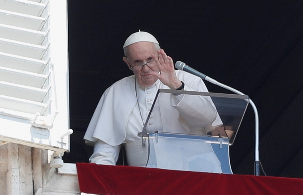 في أول خطبة له بعد خروجه من المستشفى.. البابا فرنسيس يدعو إلى الحوار مع كوبا