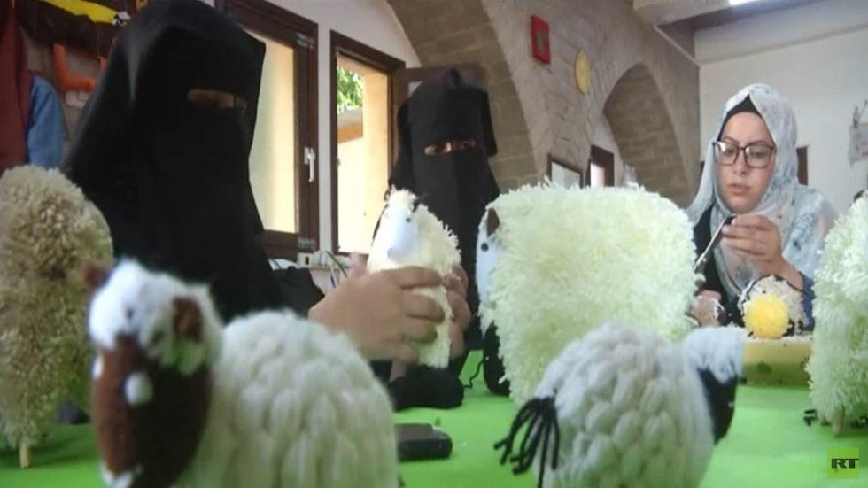 صناعة الدمى اليدوية في قطاع غزة
