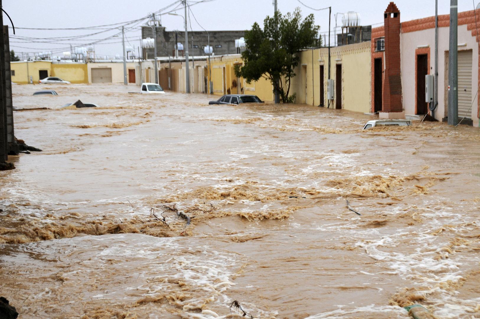 السعودية.. السيول تجرف 3 آلاف قطعة أثرية (فيديو)