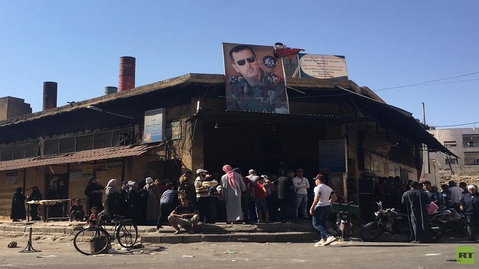 آلية جديدة لتوزيع الخبز في سوريا.. رغيفان وثلث الرغيف للشخص يوميا