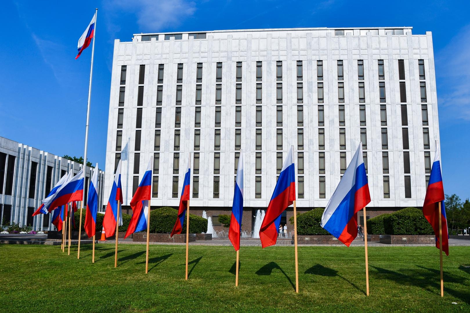 السفارة الروسية تعلق على تصريح أمريكي حول الأسلحة فرط الصوتية