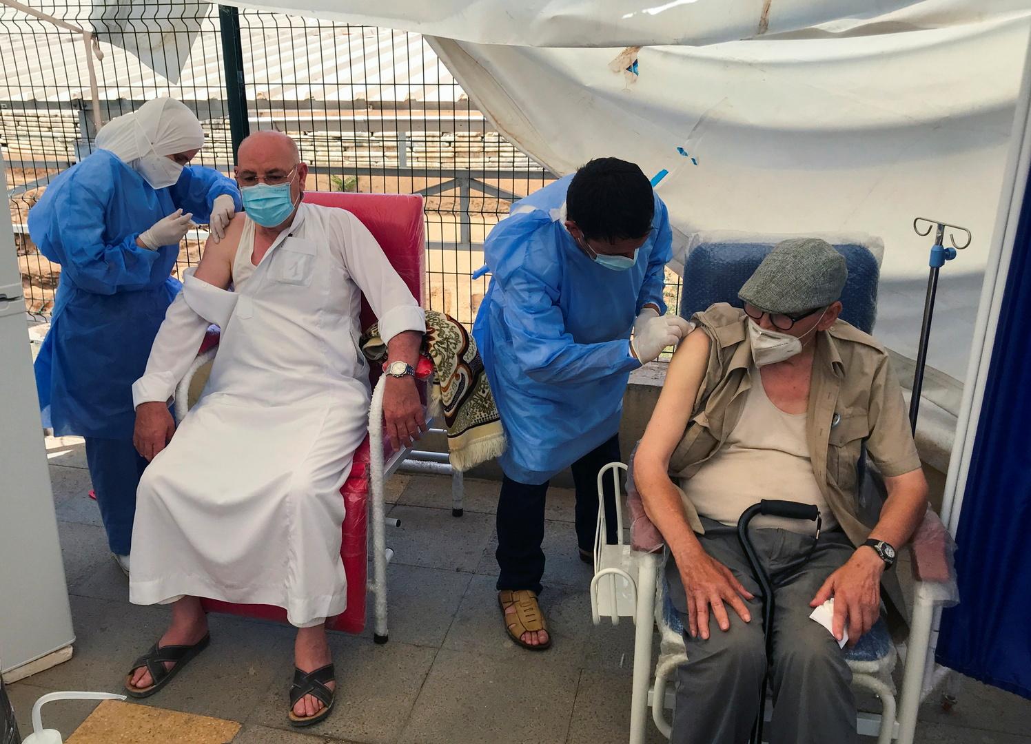 مسؤول جزائري يحذر: نحن في مرحلة الخطر