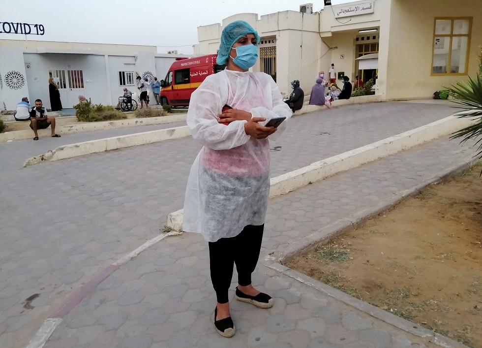 تونس.. اكتظاظ وفوضى وغياب للتنظيم وعدم التزام التباعد في مراكز التطعيم (فيديو)