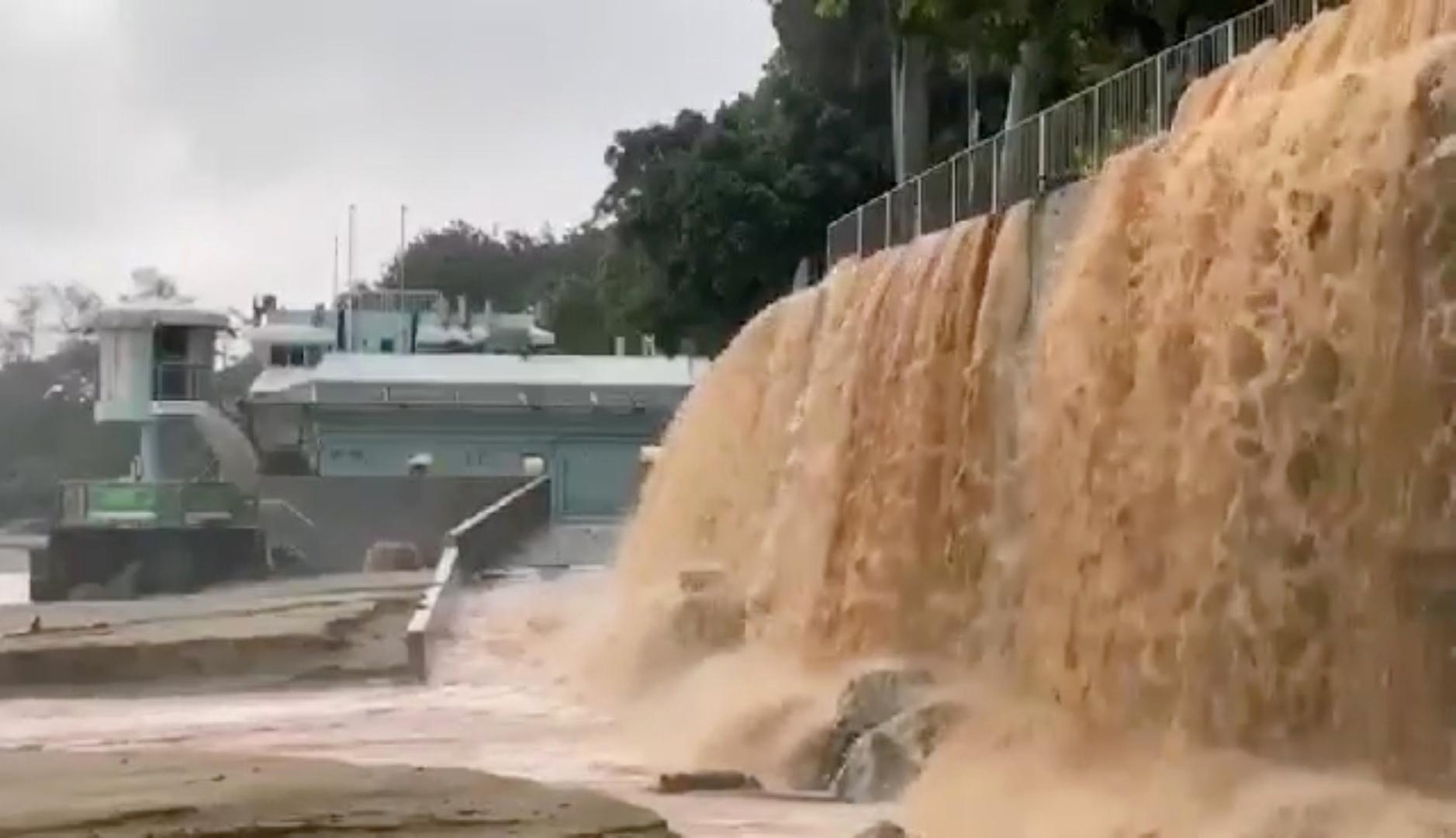 الجيش الصيني يحذر من انهيار أحد السدود على خلفية أمطار غير مسبوقة