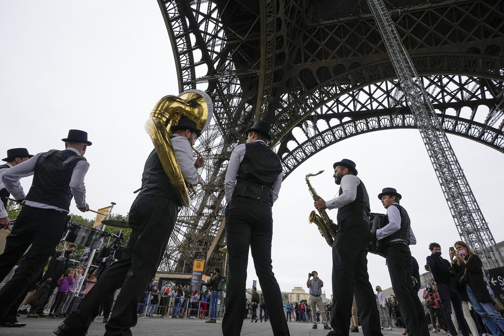 فرنسا تشترط شهادة كوفيد لزيارة المعالم السياحية