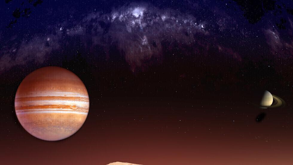 عالم فلك هاو يكتشف قمرا صغيرا حول أضخم كواكب المجموعة الشمسية