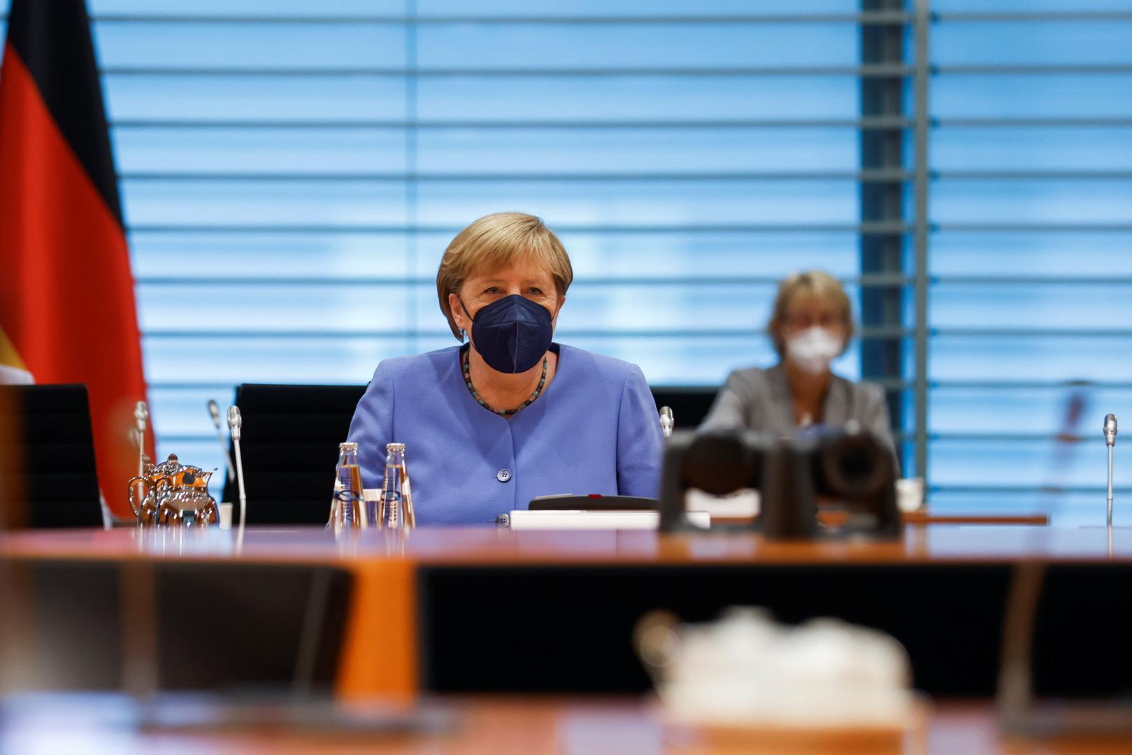 الحكومة الألمانية: ميركل بحثت