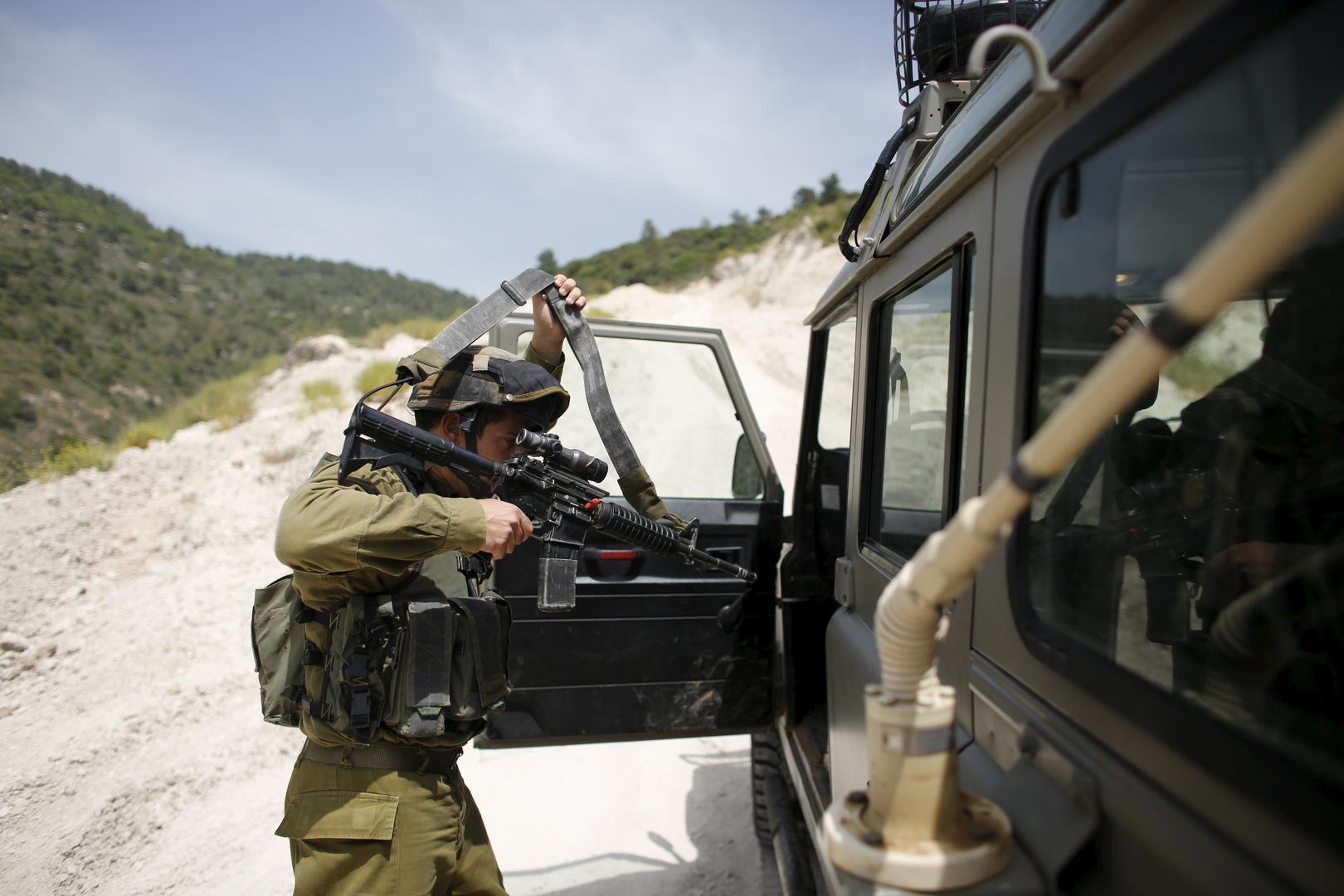 الجيش الإسرائيلي يعتقل شخصين تسللا من لبنان إلى الجليل