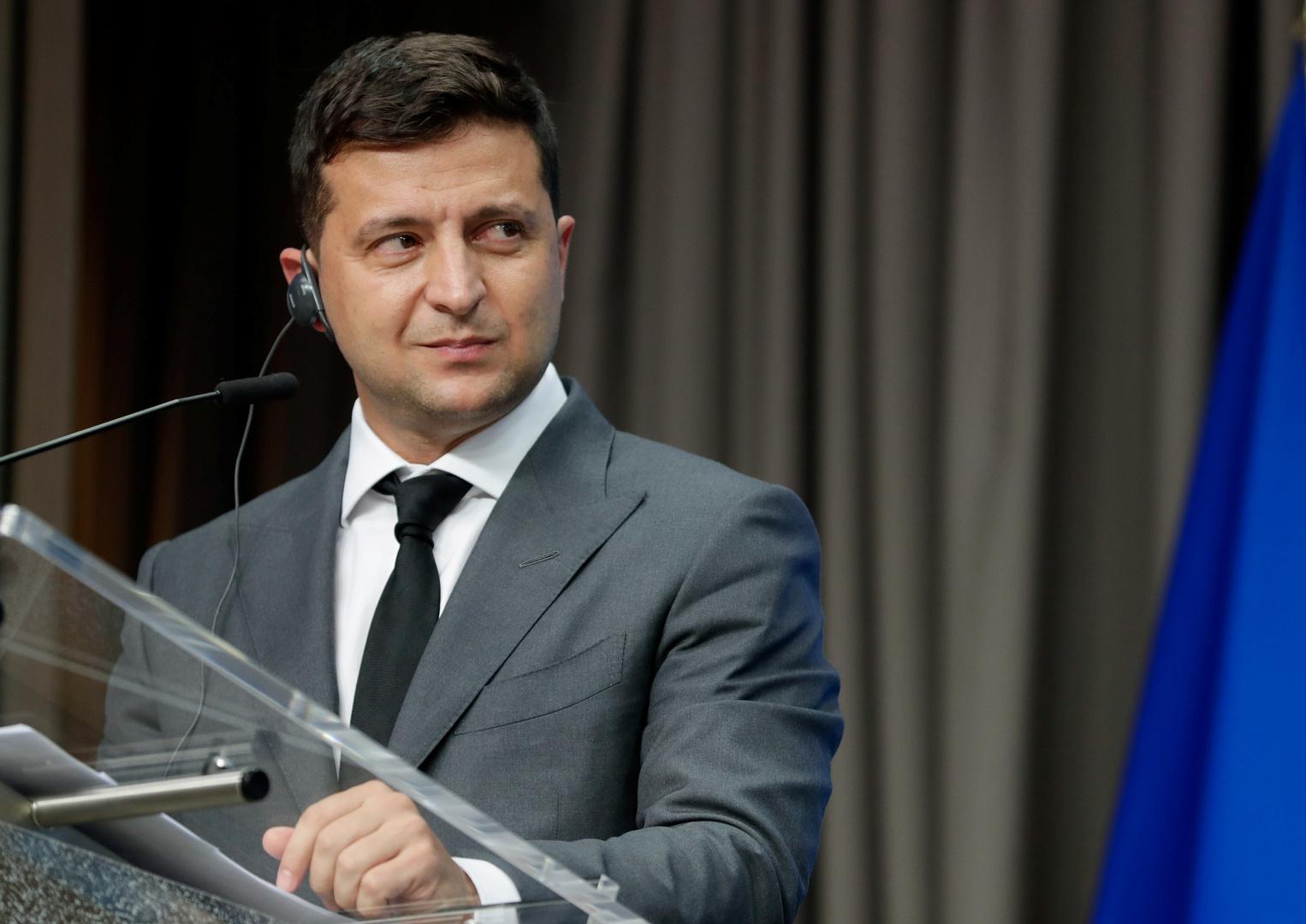 حزب أوكراني يدعو الرئيس زيلينسكي وحكومته للاستقالة بسبب الاتفاقية حول
