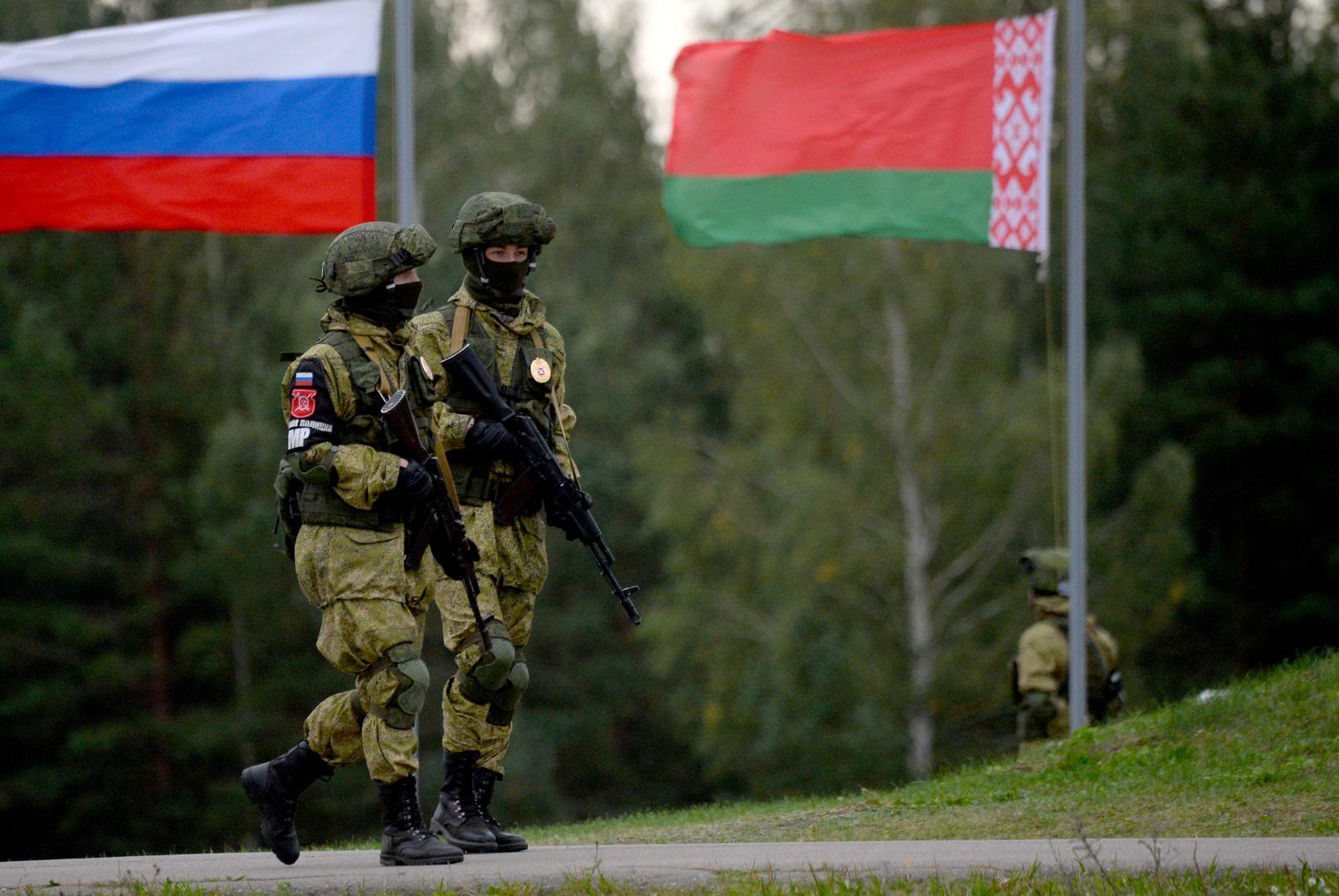 طائرة مسيرة للناتو تقوم بالاستطلاع قرب حدود بيلاروس بعد وصول القوات الروسية للبلاد