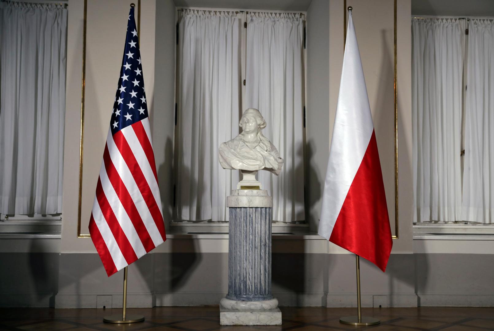 بولندا والولايات المتحدة تناقشان مكافحة