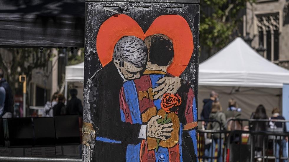 رئيس برشلونة يكشف آخر تطورات مفاوضات تجديد عقد ميسي