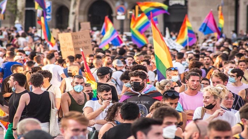 استطلاع للرأي: غالبية الروس يعارضون زواج المثليين