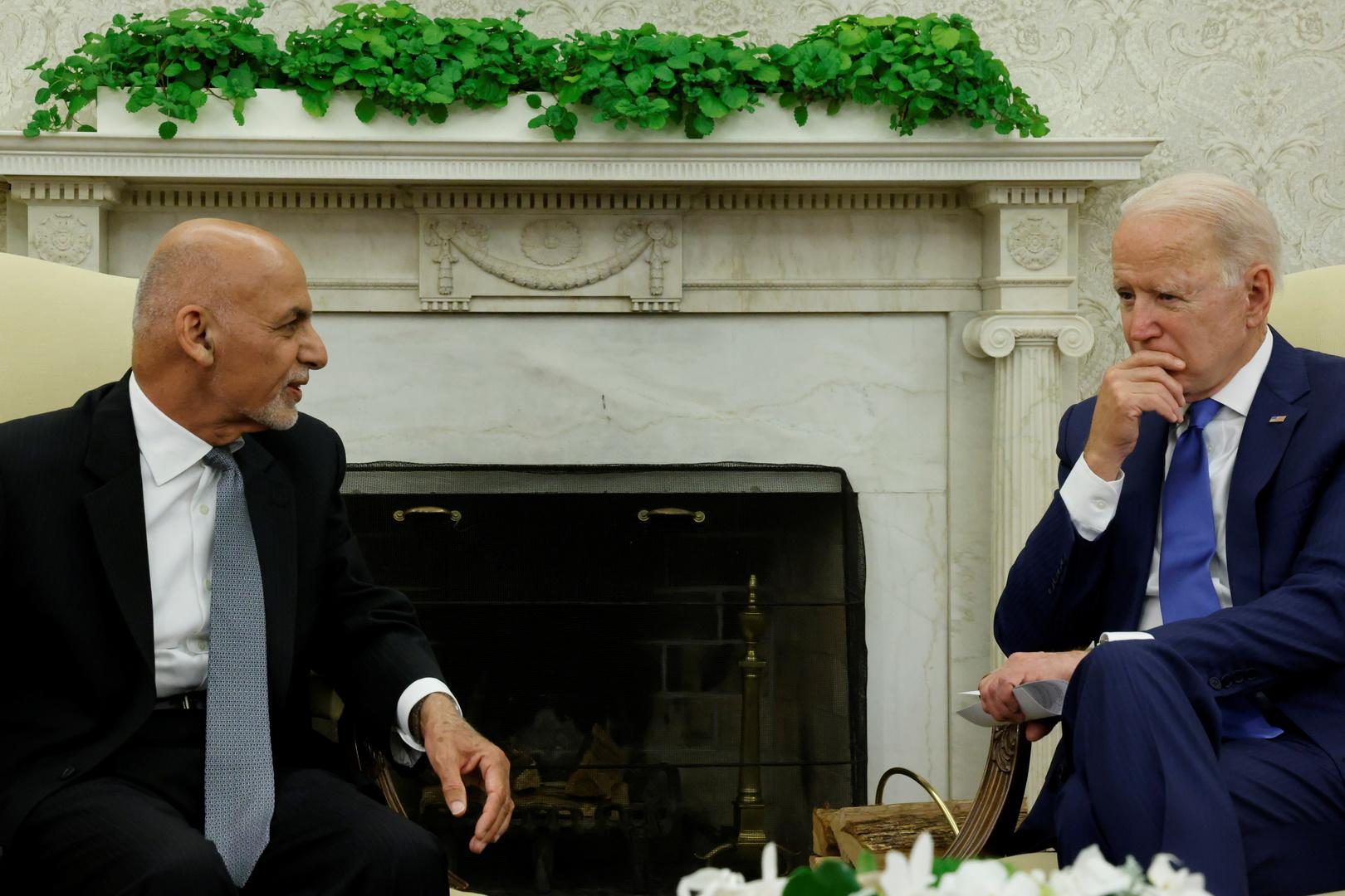 بايدن وأشرف غني يبحثان دعم واشنطن للجيش الأفغاني