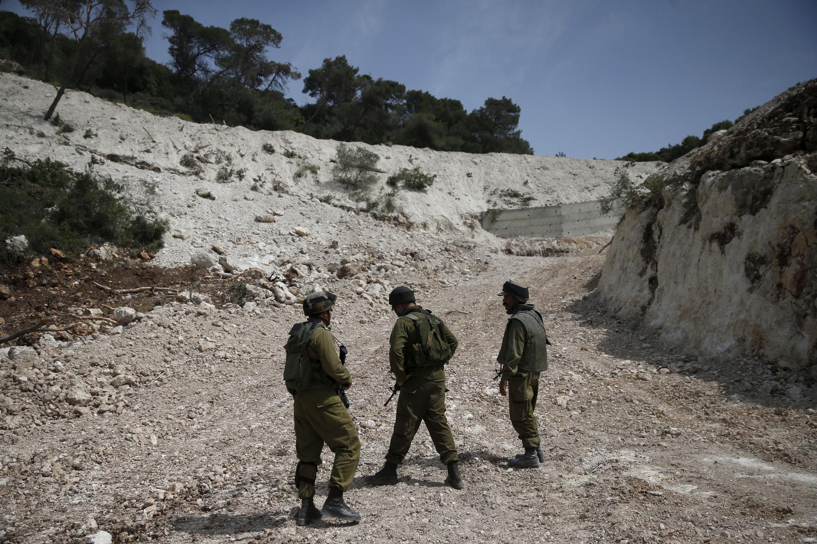 عناصر من الجيش الإسرائيلي على الحدود اللبنانية