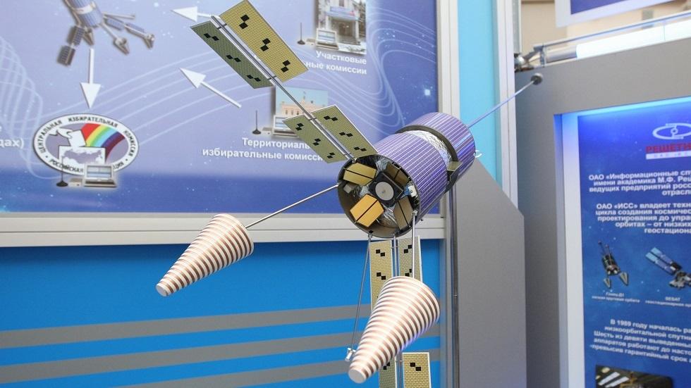 روسيا تطور برمجيات جديدة لتصنيع الأقمار الصناعية