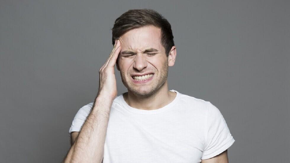 Hvorfor vågner nogle med hovedpine?