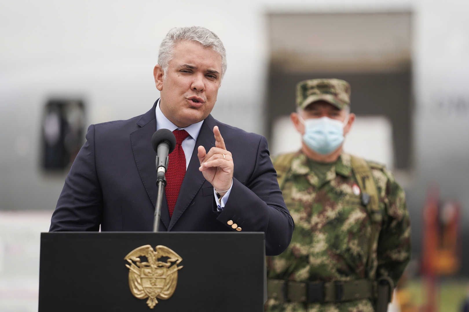 رئيس كولومبيا يدعو الولايات المتحدة لإدراج فنزويلا على قائمة الدول الراعية للإرهاب