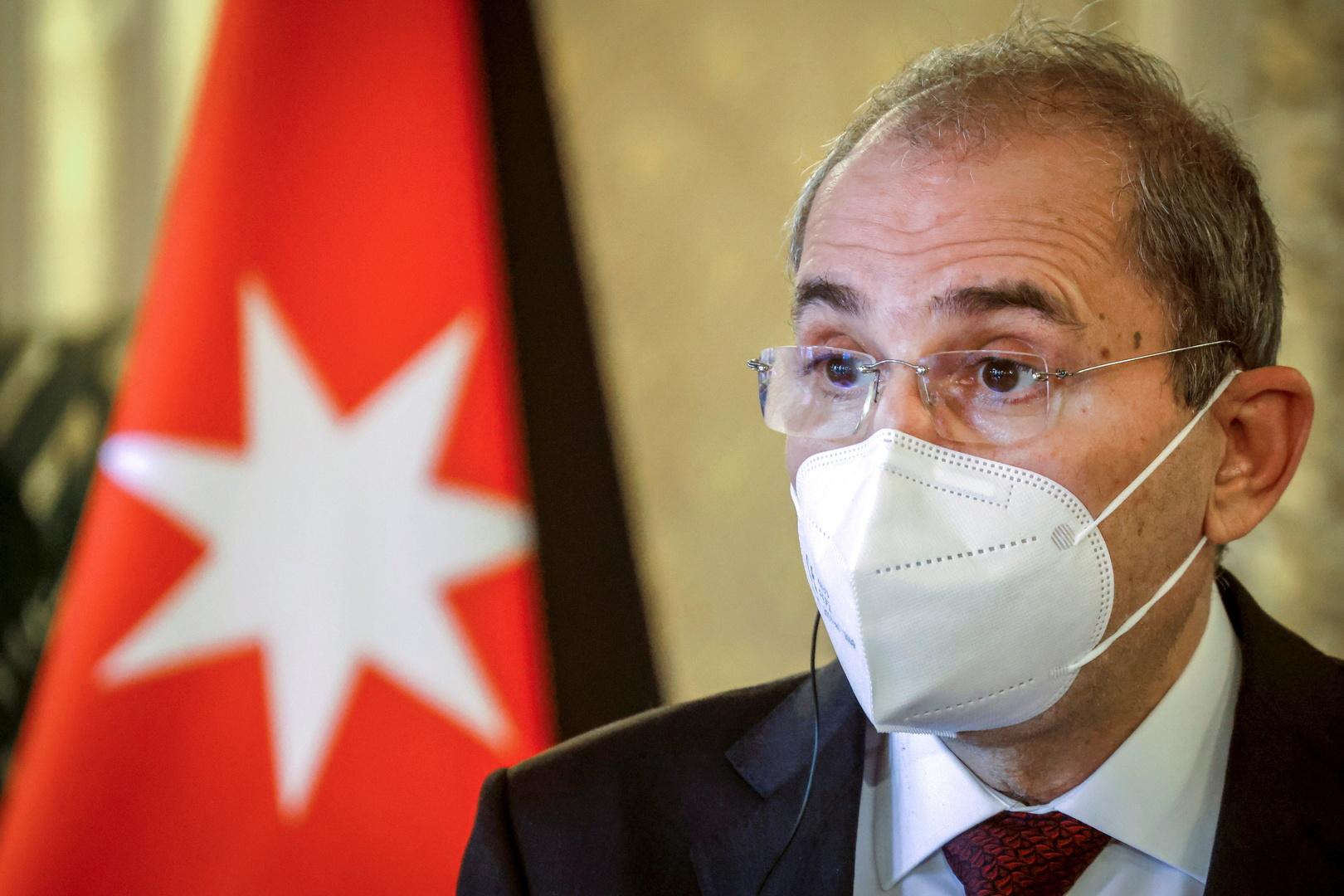 وزير الخارجية الأردني: نتابع التطورات في تونس ونأمل أن تتجاوز هذه الأوضاع الصعبة