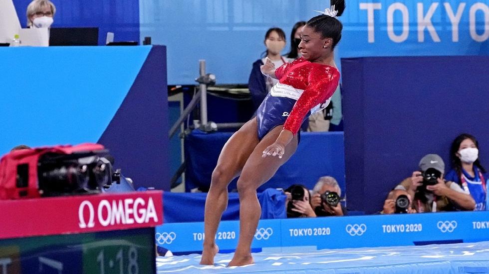 أولمبياد طوكيو.. استبدال بطلة الجمباز الأمريكية بايلز في مسابقة الفرق