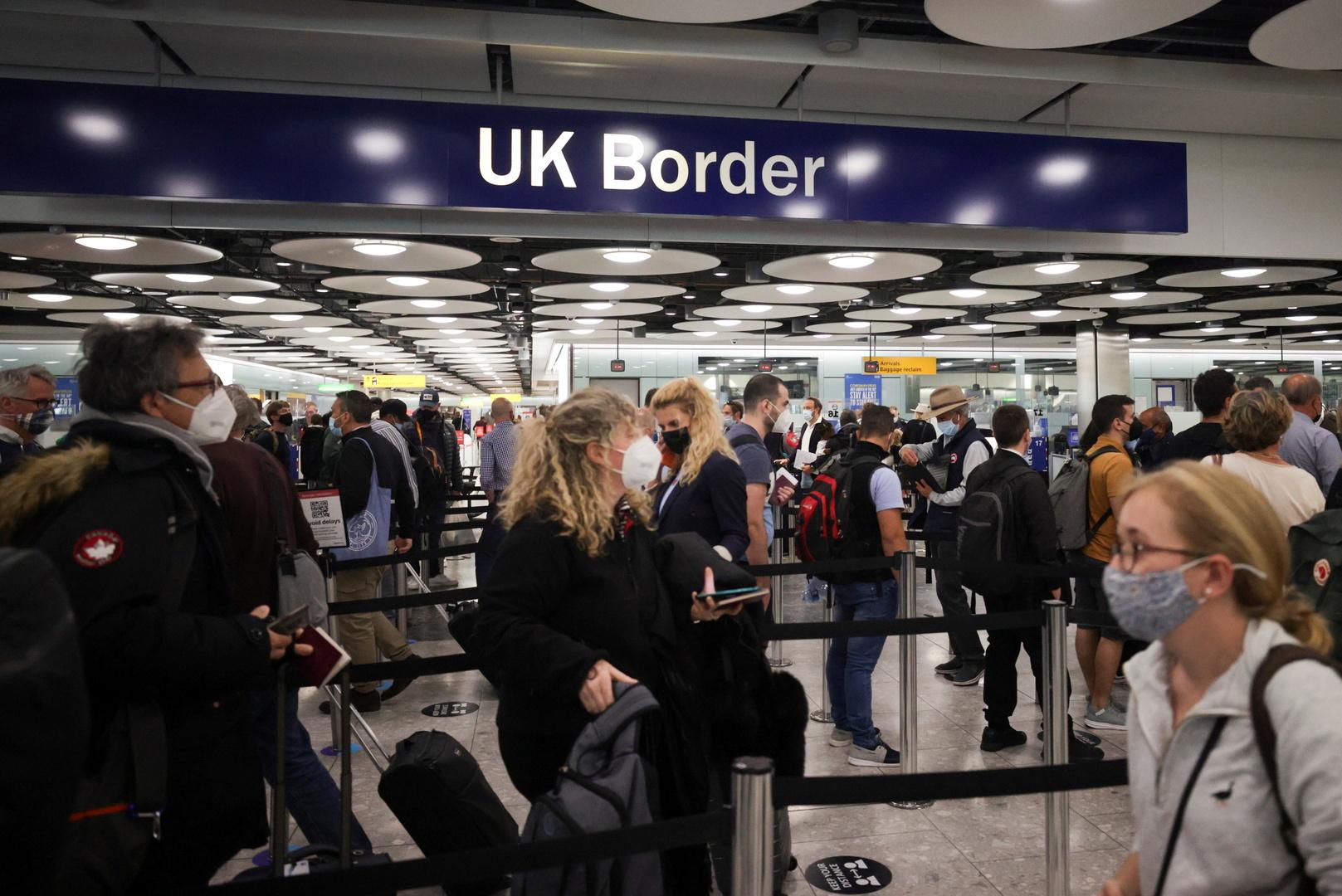 صحيفة: بريطانيا تسمح بدخول السياح الأوروبيين والأمريكيين الذين تلقوا جرعتين من اللقاح