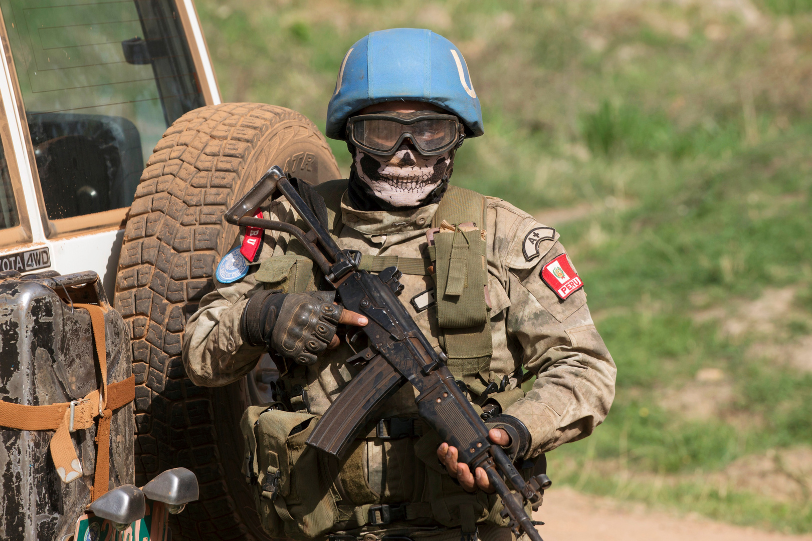 مقتل عسكري وإصابة جندي من