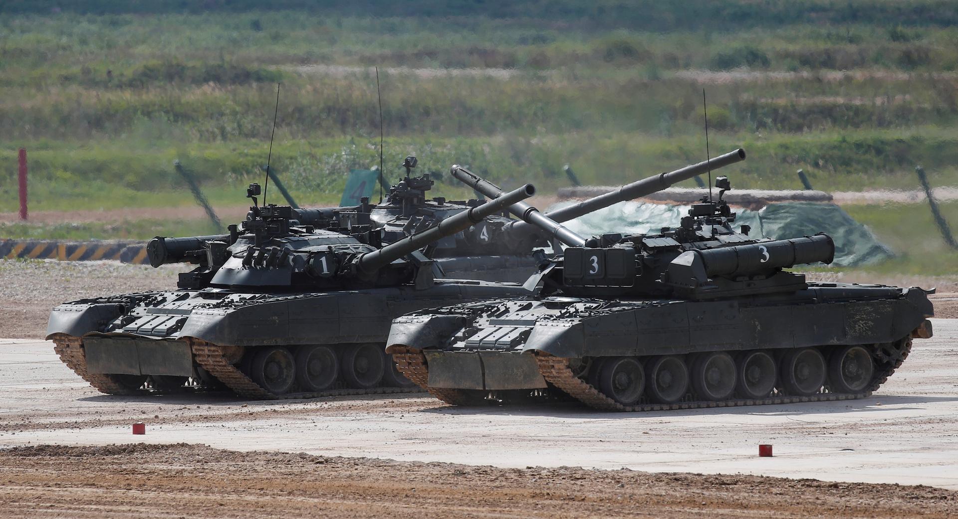 الجيش الروسي يعيد إعادة تجميع وحدات عسكرية في ميدان تدريب بالقرب من الحدود الأفغانية