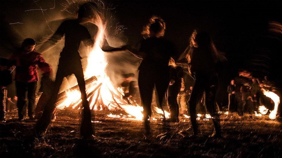 علماء الآثار يكتشفون متى استخدم الإنسان النار أول مرة في التاريخ