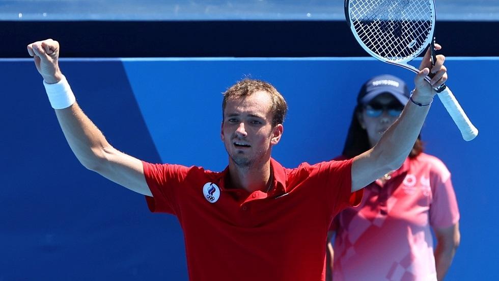 أولمبياد طوكيو.. الروسي مدفيديف يصعد إلى ربع نهائي مسابقة التنس
