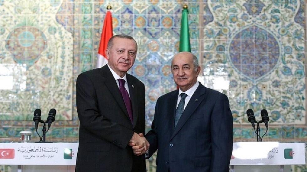 الرئيس الجزائري عبد المجيد تبون ونظيره التركي رجب طيب أردوغان