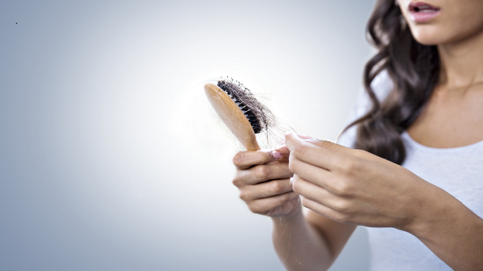 أفضل 4 علاجات طبيعية لعلاج تساقط الشعر