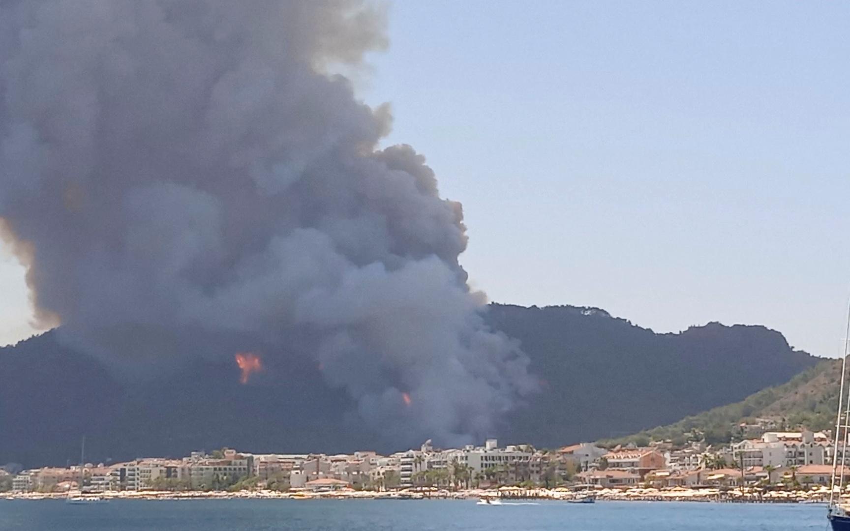 ارتفاع عدد ضحايا حرائق الغابات في تركيا إلى 4 أشخاص