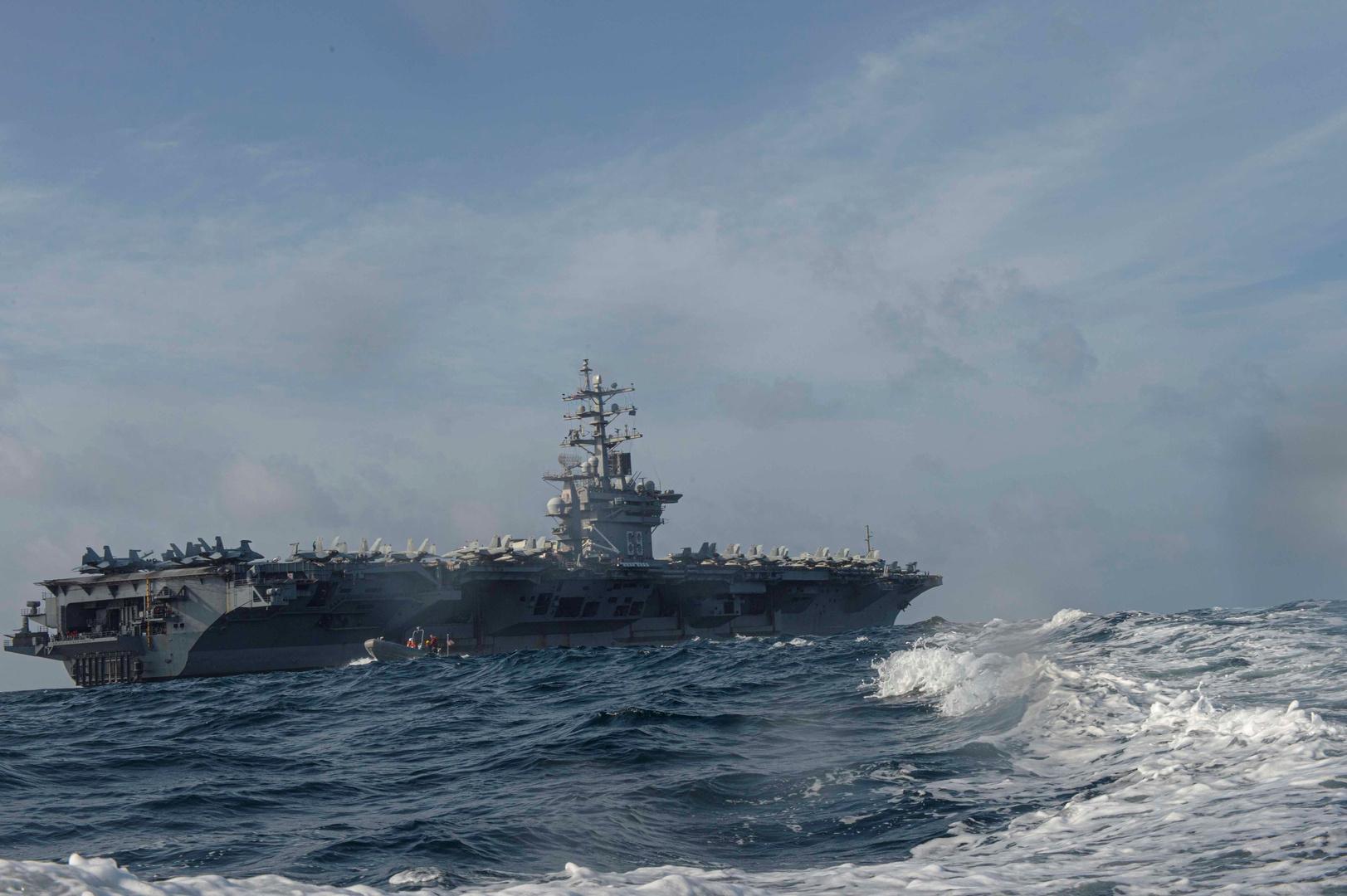 وزارة الدفاع البريطانية تعلن استهداف سفينة إسرائيلية قبالة عمان