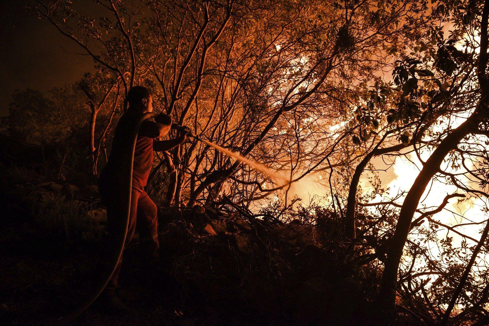 ارتفاع حصيلة ضحايا حرائق غابات جنوب تركيا إلى 4 قتلى