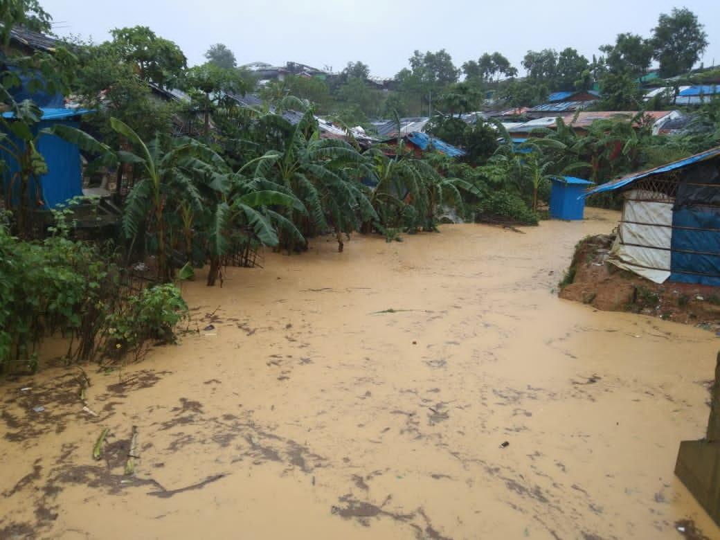 بنغلاديش.. الفيضانات تودي بحياة 20 شخصا وتعزل 300 ألف