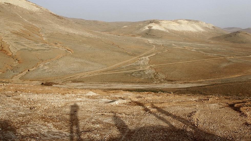 إسرائيل تبدأ بناء ملاجئ محصنة على حدود سوريا ولبنان