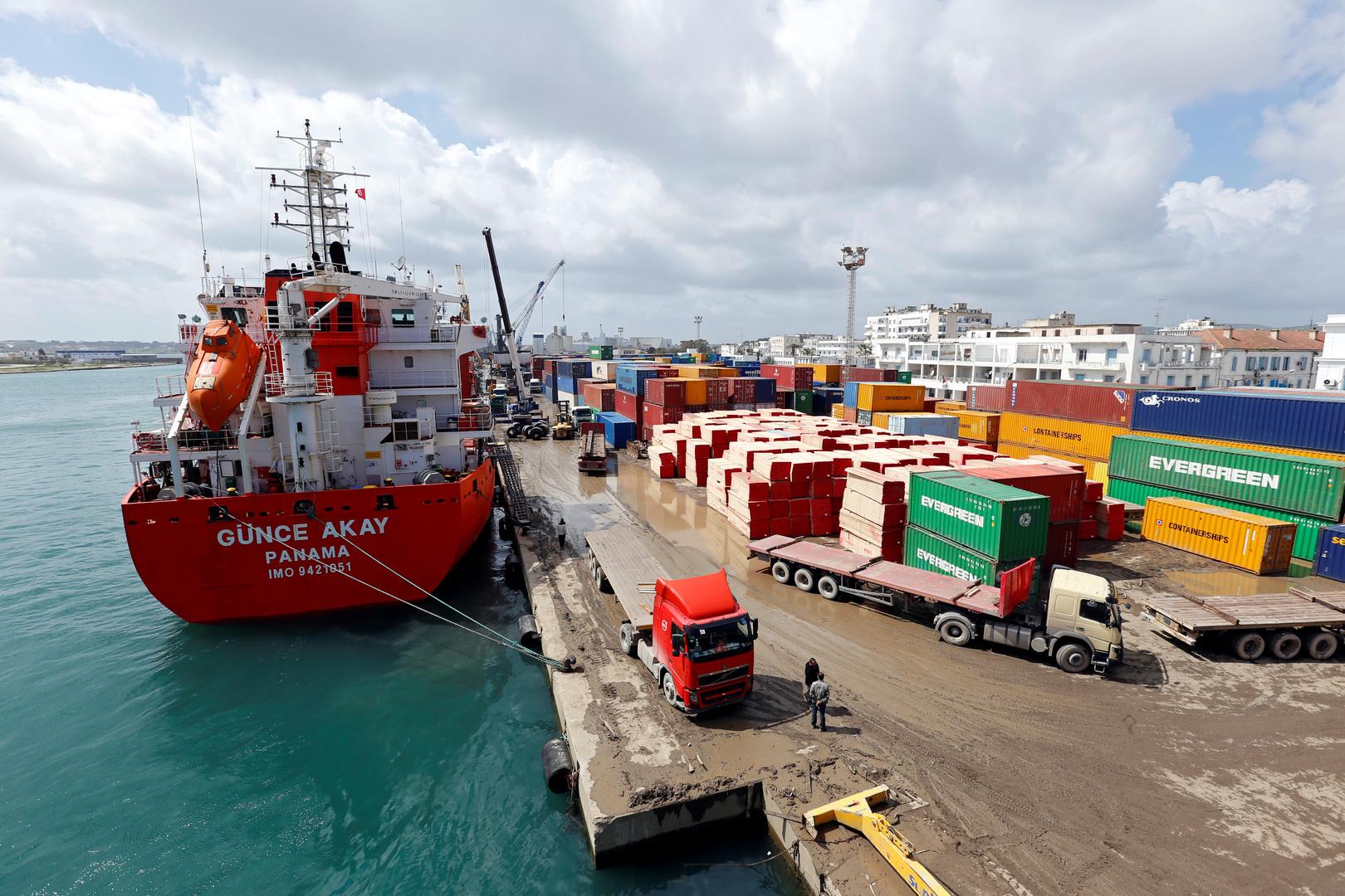 القضاء الإيطالي يردّ دعوى الشركة الإيطالية مصدرة النفايات إلى تونس