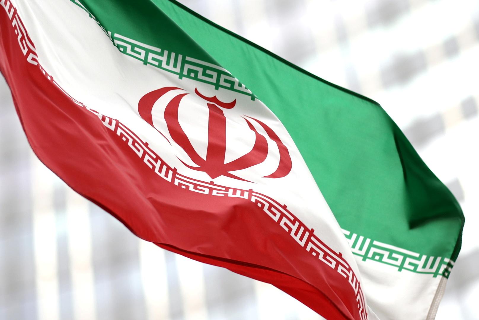 إيران.. وزير الصحة يطلب مساعدة خامنئي لمواجهة موجة كورونا الخامسة