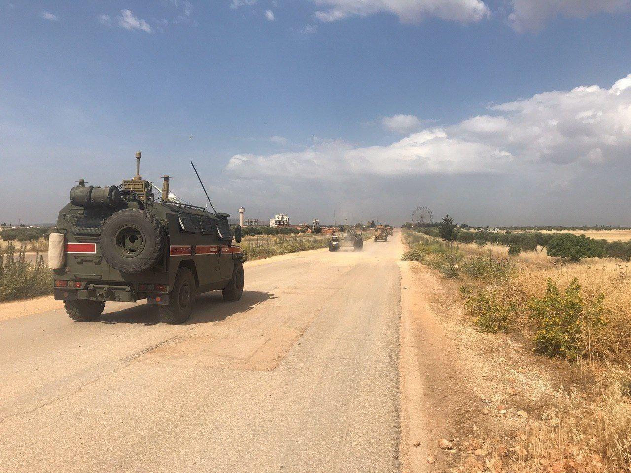 مركبة للشرطة العسكرية الروسية في محافظة إدلب السورية
