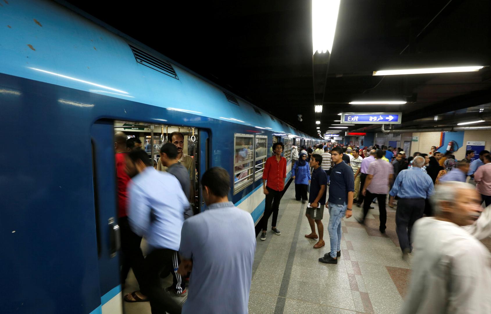 مصر تستقدم آلة نادرة لتصنيع القطارات وعربات المترو
