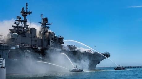 عنصر بالبحرية الأمريكية يواجه اتهاما بالتسبب في حريق دمر سفينة حربية