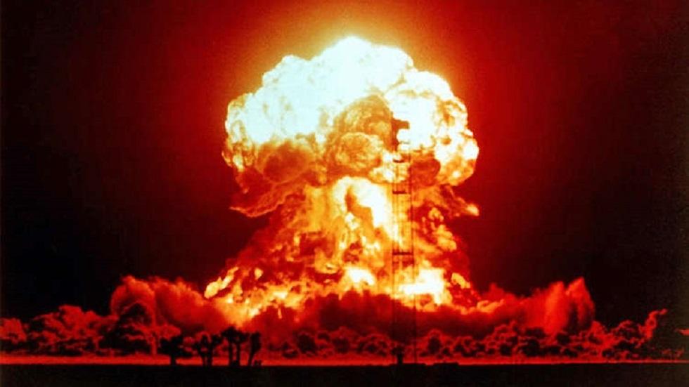 خبير أمريكي يحذر من حرب نووية خارجة عن السيطرة
