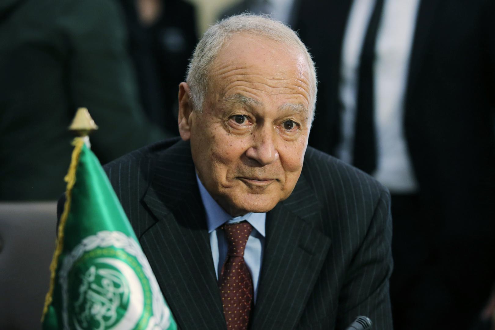 أبو الغيط يبحث مع لعمامرة التحضير للقمة العربية المقبلة بالجزائر